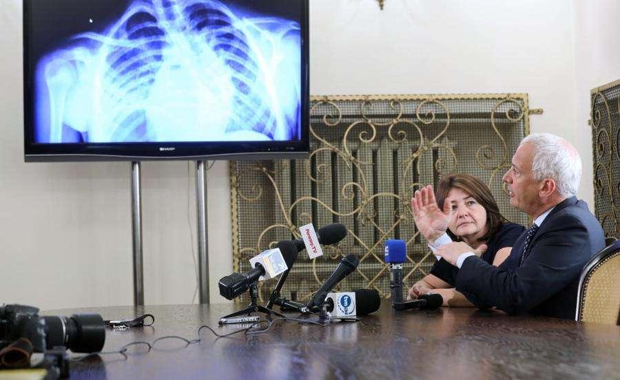 Dr. Antonacci demonstrating spine twist